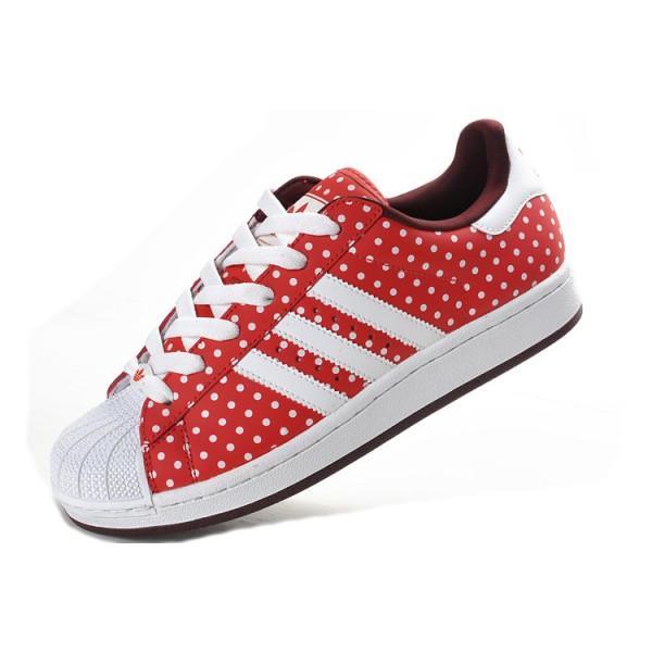 basket adidas rouge a pois blanc